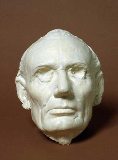 Image of Looking at Leonard Volk's Life Mask of Abraham Lincoln